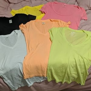 Scoop and V-neck tee shirt bundle